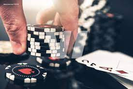 What Makes Playing Poker With Chips Good For Both Gambler And Casino